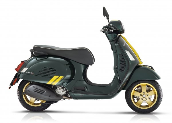 Vespa GTS Super - Racing  Sixties