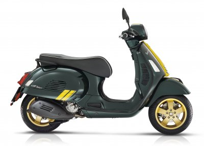 Vespa GTS - Racing  sixties green|Vespa GTS - racing  sixties white||||