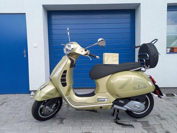 Předváděcí motocykl Vespa GTS 125 75´TH ABS zlatá